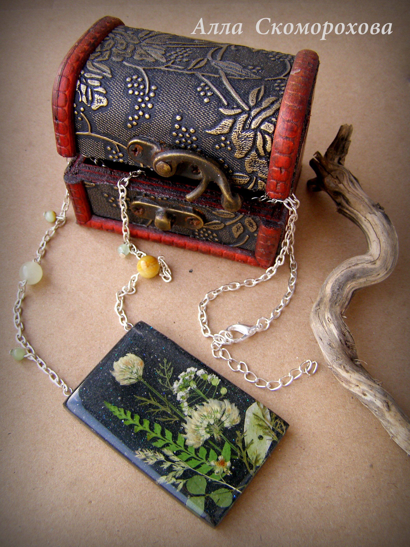 эпоксиднаясмола handmade подвеска изсмолы ювелирнаясмола украшения смола цветы колье кулон экостиль аксессуары бижутерия украшение ручнаяработа подарок