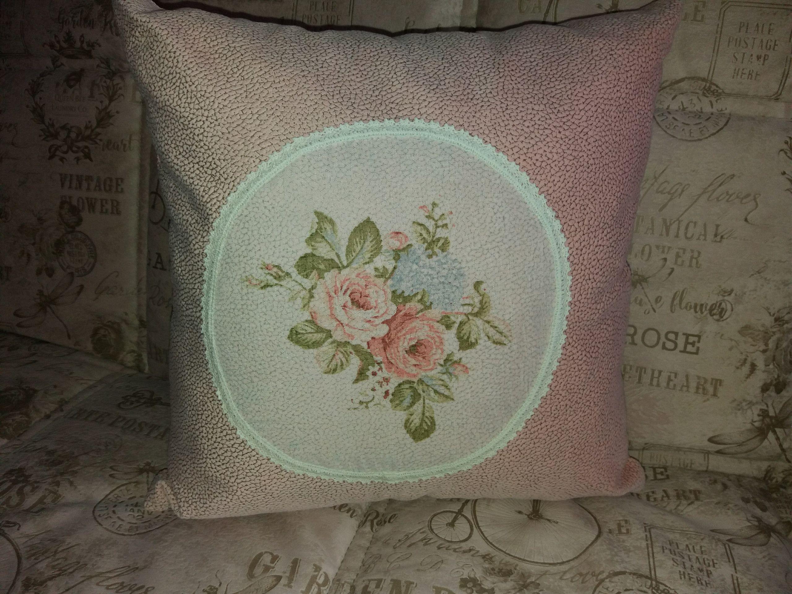 дом подарки уютный цветы подушку розы бабочки для handmadе купить женщин