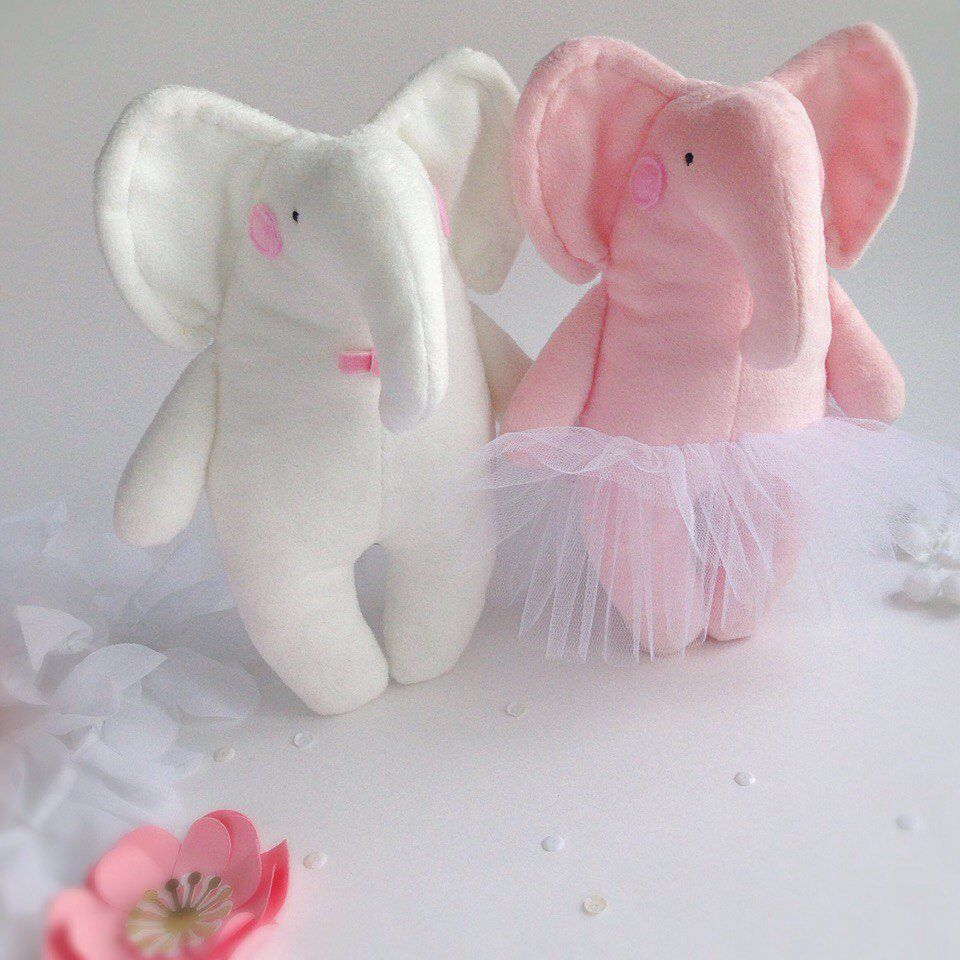 мягкаяигрушка подароклюбимой 14февраля свадьба влюбленные holiday праздник love слон gift длядетей forbaby hugge handmade toy длявлюблённых мимими valentineday present хендмейд подарокребенку wedding пара
